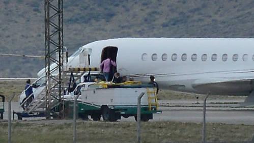 Insólita contratación de una nave suiza El vuelo costará unos 600 mil dólares, seis veces más que si viajaran en Aerolíneas.