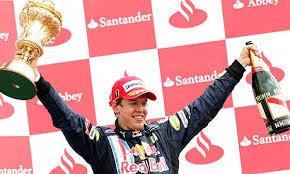 Vettel y Red Bull en tiempo de premios y champagne