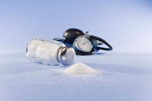 La utilización excesiva del salero es un peligro.