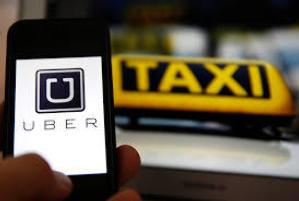 Uber, ofrece un servicio de taxis particulares