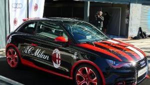 La automotriz sigue junto al club milanés