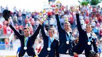 El equipo de saltos logró plata y plaza olímpica.