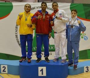 Ronan Sánchez (primero desde la derecha), uno de los tres bronces.