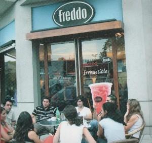 Cortitas y al pie, con Freddo, Lupita y Tommy Hilfiger