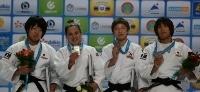 La emoción de la Peque Pareto en el podio con su oro.