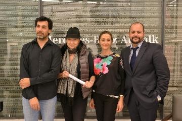 Amadeo Azar, Alicia de Arteaga, Nora Fisch y Gustavo Castagnino, director de Relaciones Institucionales de Mercedes-Benz Argentina