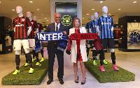 Inter y Milán abren una tienda juntos