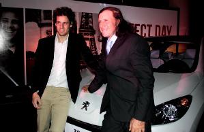 Vilas y Gaudio, junto a Peugeot
