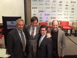 Luis Montoya, Pepsico LATAM; Brian Smith, Coca Cola LATAM; Luis Alberto Moreno, Presidente Banco Interamericano de Desarrollo; Sean McKaughan, Presidente Fundación AVINA.