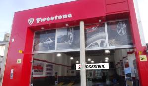 Ofrece línea de productos de Auto y Camioneta