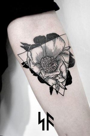 Flores, flechas, símbolos y frases son los más típicos.