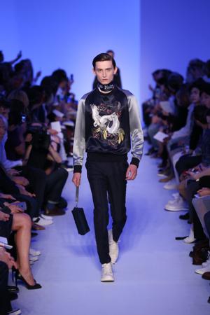 Louis Vuitton presentó su nueva colección Primavera-Verano Men 2016.