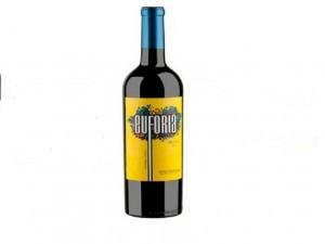 Euforia 2014 es un tinto rojo oscuro, con aromas a ciruelas.