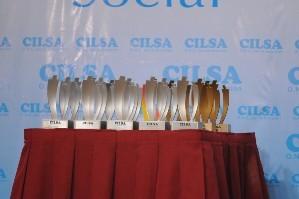 Las destacadas estatuillas de los Premios CILSA al Compromiso Social.