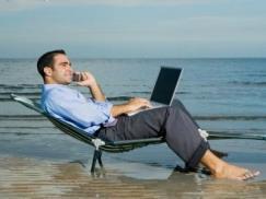 En tiempo de vacaciones lo ideal es despejarse del trabajo.