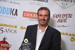 Miguel Dellepiane recibió el premio por los licores Golden Age.