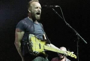 El ex líder de la mítica banda The Police hizo una recorrida por sus clásicos.