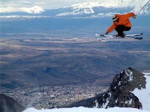 Esquí a full en el noroeste de la provincia del Chubut.