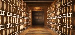 Elaboración de vinos tintos, blancos y espumantes en su justa medida.
