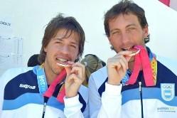 Robertino Pezzota (izquierda) con Hernán D'Arcangelo al ganar el bronce en Guadalajara 2011.