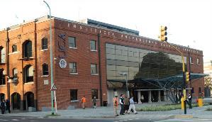 Ambos académicos participarán de distintas actividades en la universidad.