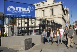 Un posgrado en el Instituto Tecnológico de Buenos Aires (ITBA).