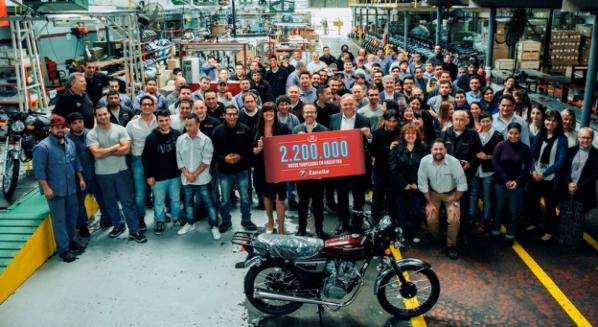 2.200.000 motos fabricadas