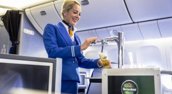 Cerveza Heineken en KLM