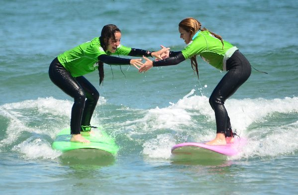 QUIKSILVER & ROXY SURF CAMPS