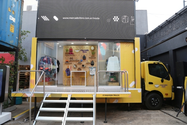 IT Fashion Truck