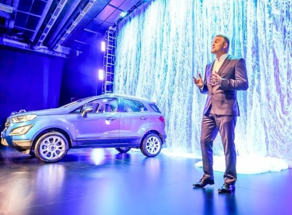 Lanzamiento de Ford