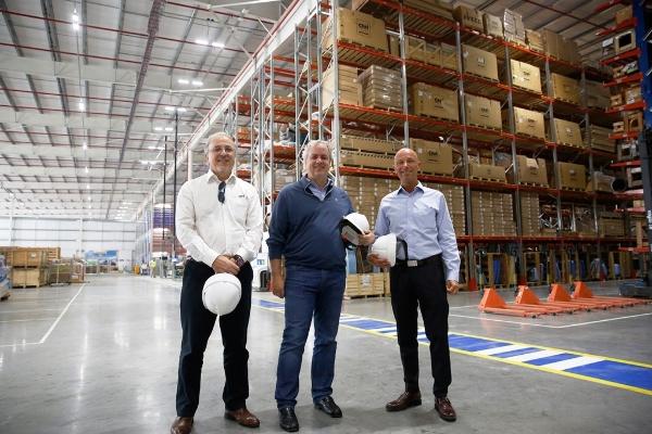 Fistarol, Tobin y Cheistwer en el nuevo centro de distribución