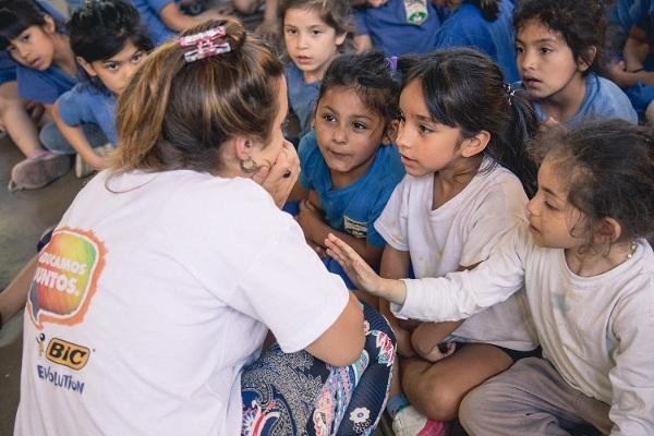 Acompaña a los niños en la educación