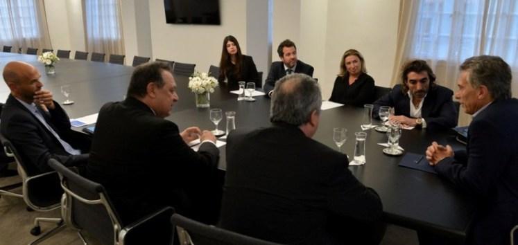 Mauricio Macri junto a directivos de Air Europa