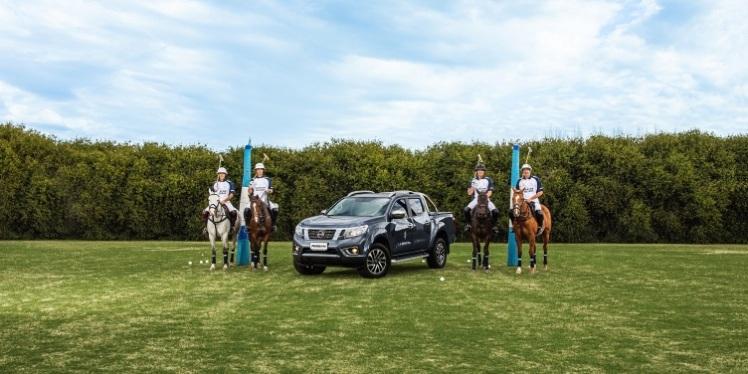 Nissan se sube al caballo
