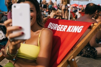 Burger King en la playa