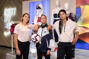 Nike Women x Football