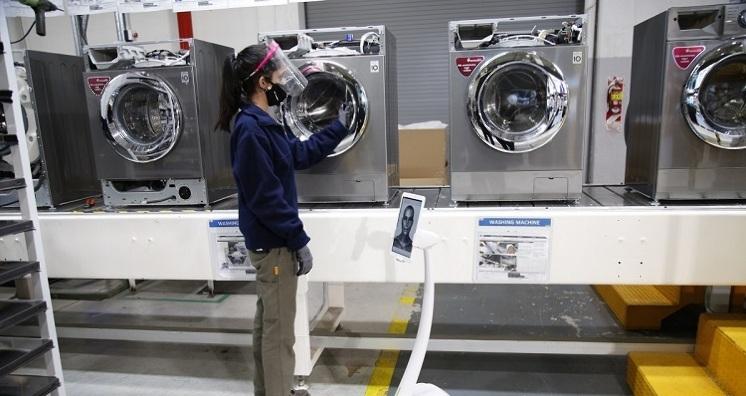 Newsan comienza a fabricar lavarropas LG en Avellaneda
