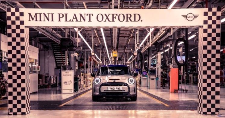 A 20 años del primer MINI producido en Oxford