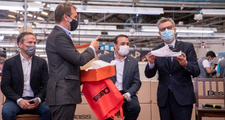 Nike retoma su producción con Grupo Dass